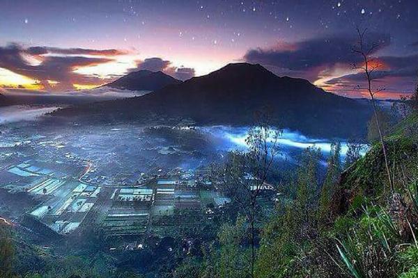 Batur Volcano Sunrise