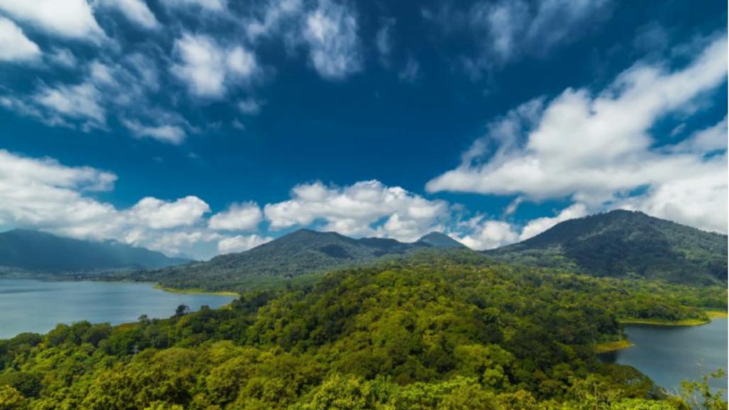 Buyan and Tamblingan lake