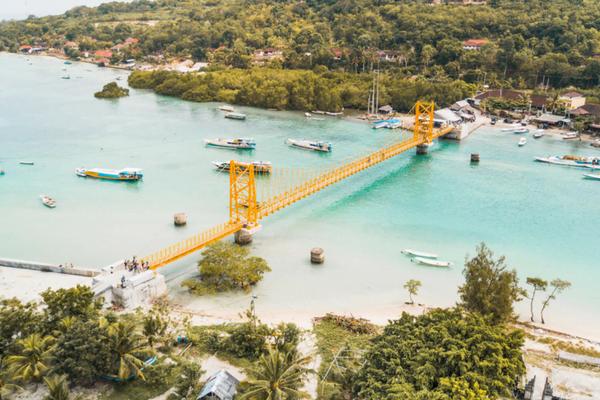 Yellow Bridge Nusa Lembongan